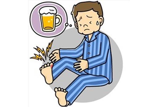 Tại sao uống nhiều bia rượu dễ bị gút